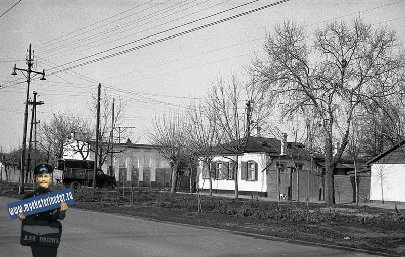 Краснодар. Улица Северная, перекрёсток с улицей Братьев Игнатовых.