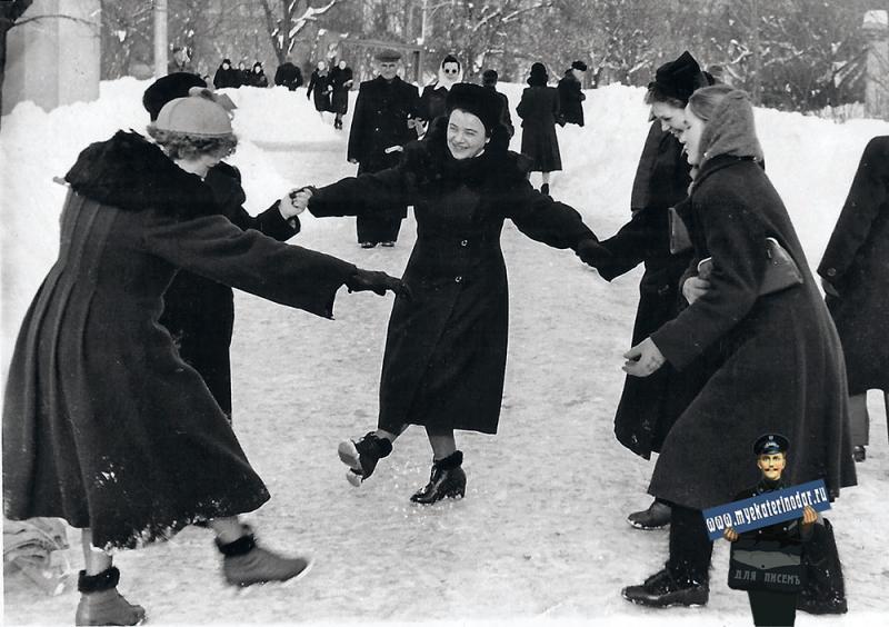 Краснодар. В сквере им. К.Е. Ворошилова, зима 1956 года
