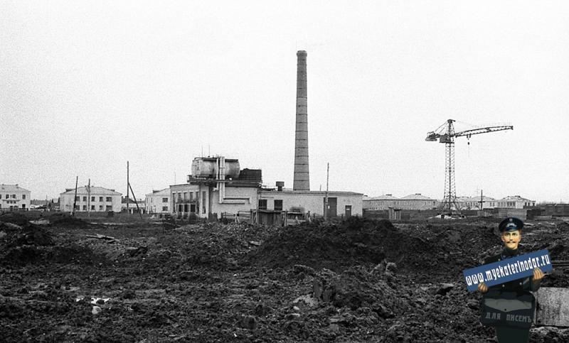 Краснодар. Вид на улицу Тургенева и Олимпийскую от Котельной, Тургенева №120.