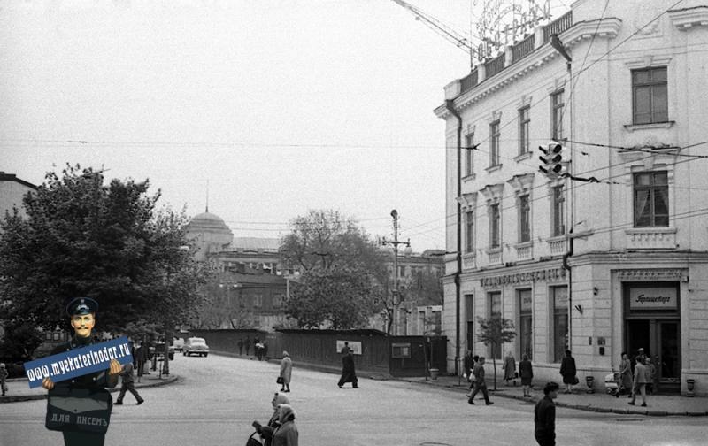 Краснодар. Вид стройки  дома № 44 по улице Мира