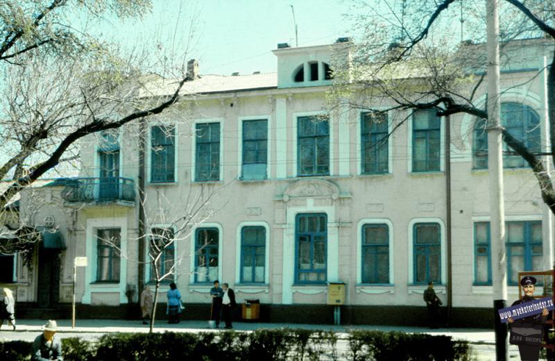 Краснодар. Жилой дом на ул. Красной 162, 1988 год