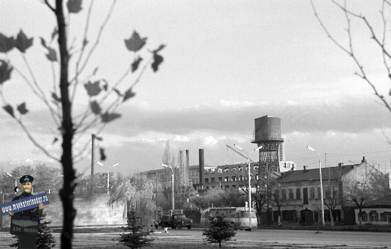 Краснодар. Площадь памяти Героев. Вид на ул. Северную, 1971 год.