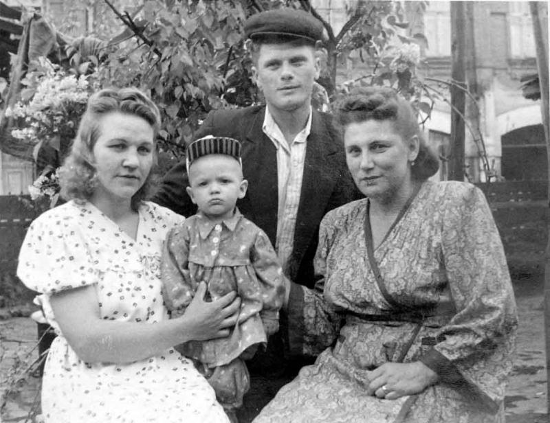 Краснодар. Старый двор Краснодара (ул. Чапаева, 105), 1956 год