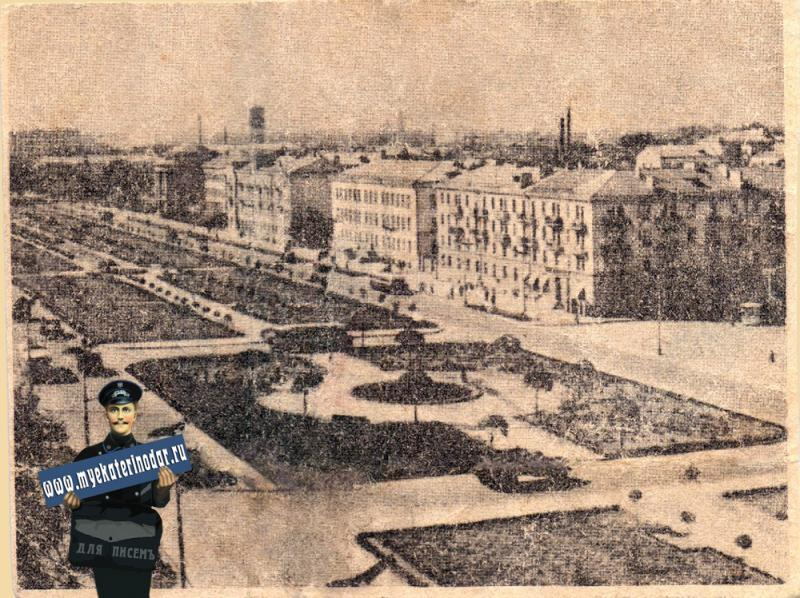 Краснодар. Вид от перекрёстка улиц Красной и Бабушкина на Юг.