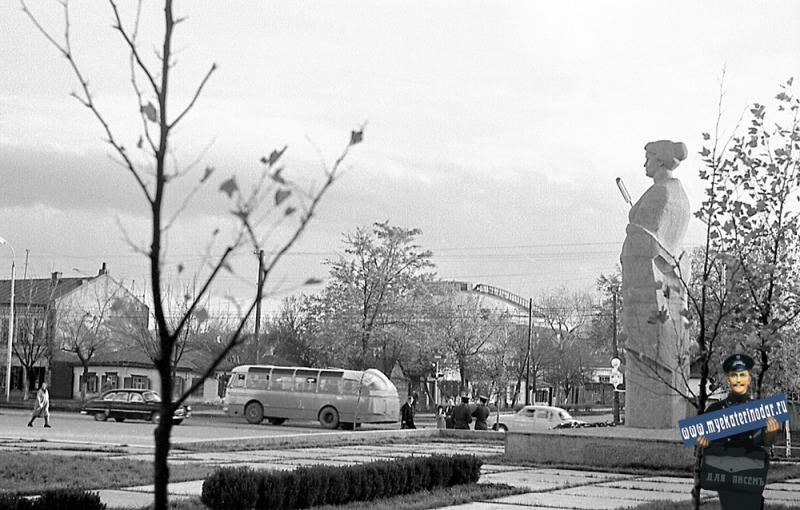 Краснодар. Угол улиц Северной и Октябрьской, 1971 год