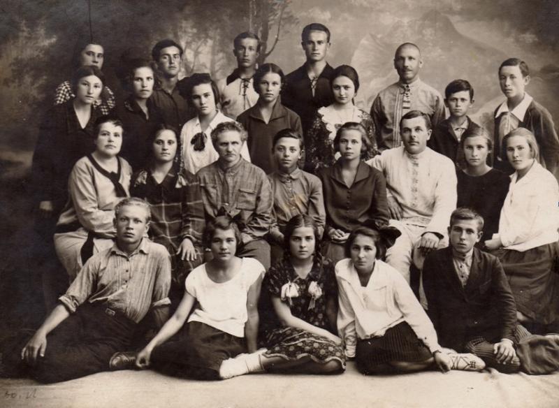 Новороссийск. Фотография учащихся трудовой школы №8 средней ступени, 1928 год