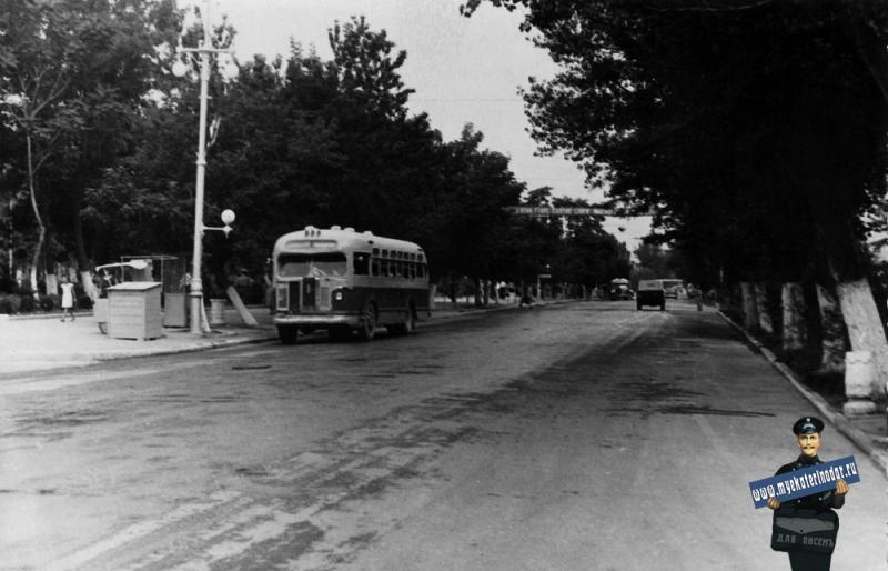 Новороссийск. Анапское шоссе, начало 60-х.